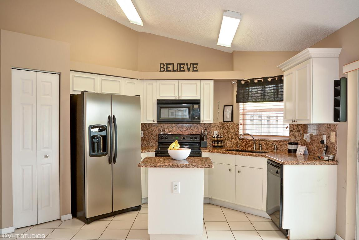 3863 NW 63rd Court, Coconut Creek, Florida image 5