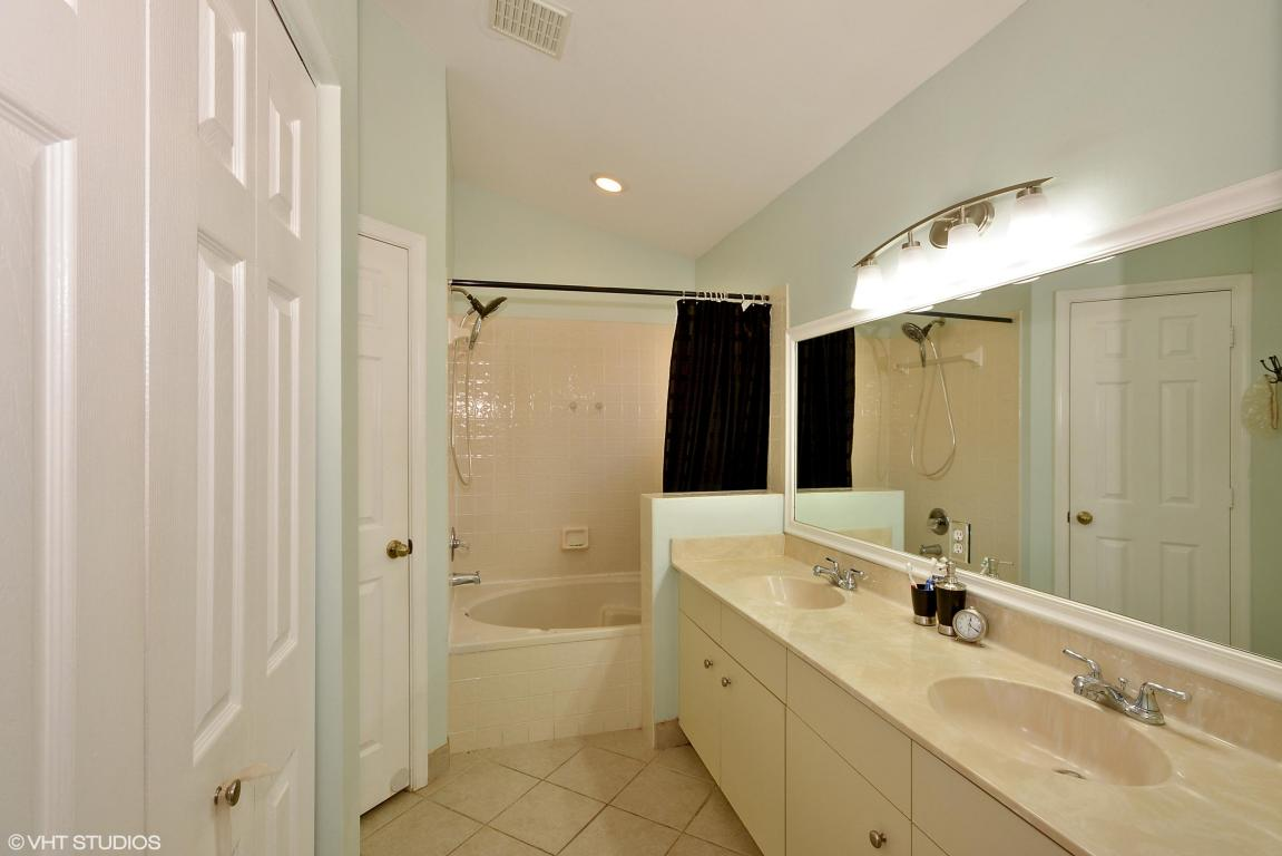 3863 NW 63rd Court, Coconut Creek, Florida image 9