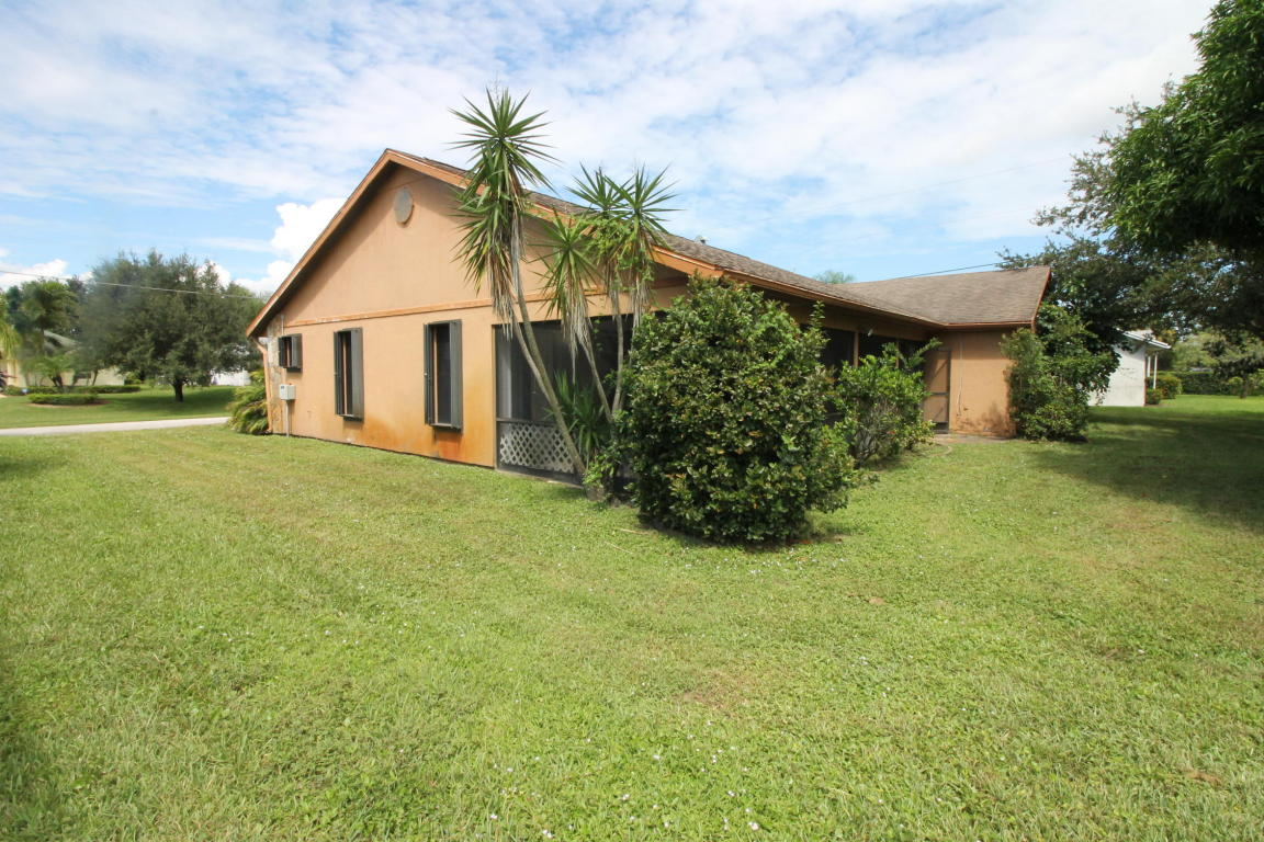 1670 SE Holiday Road, Port Saint Lucie, Florida image 3