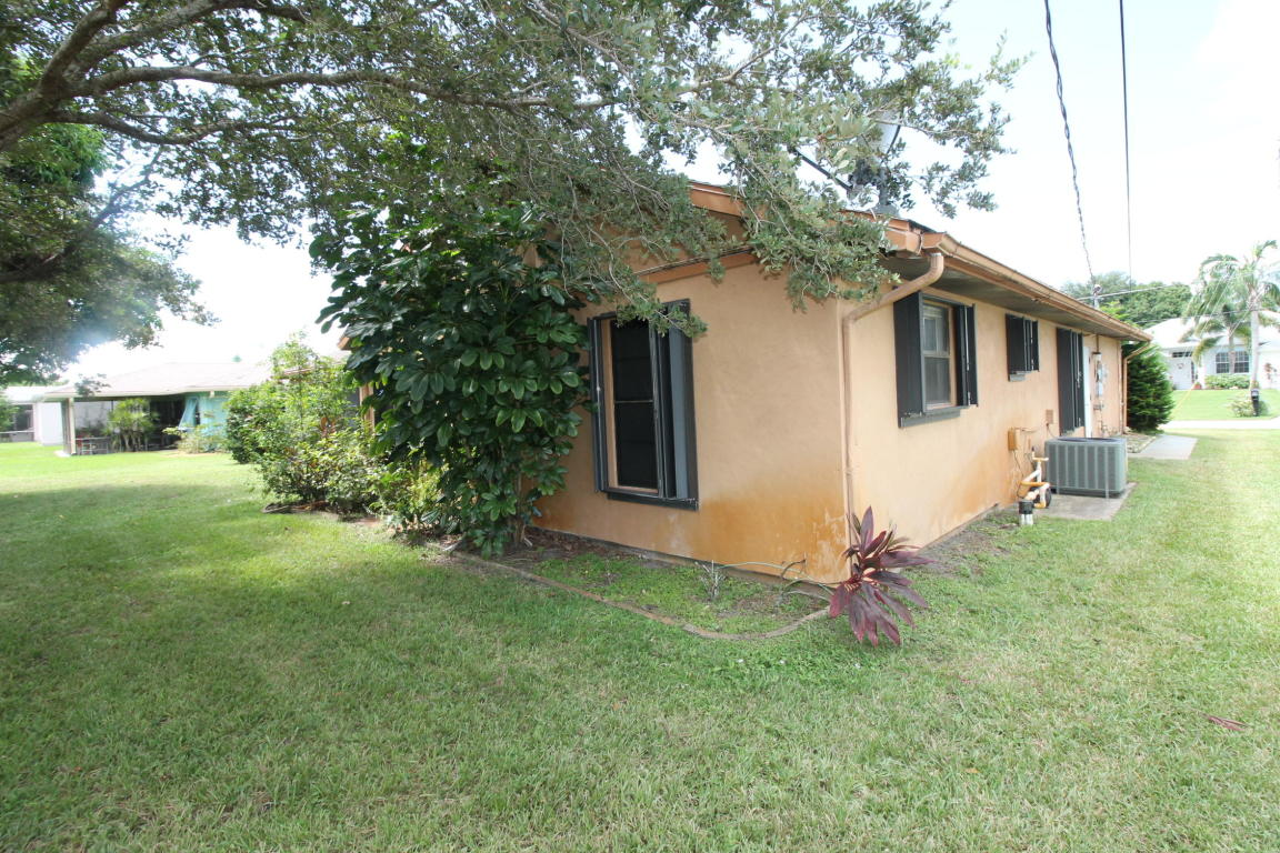 1670 SE Holiday Road, Port Saint Lucie, Florida image 5