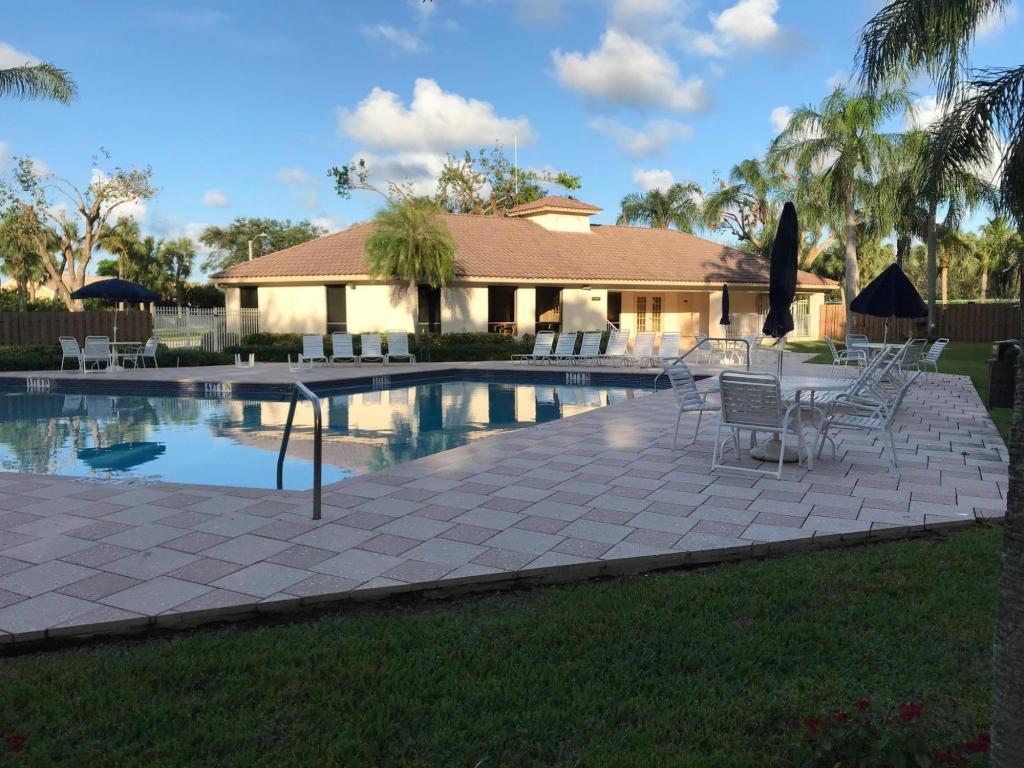 320 Norwood Terrace #N114, Boca Raton, Florida image 5