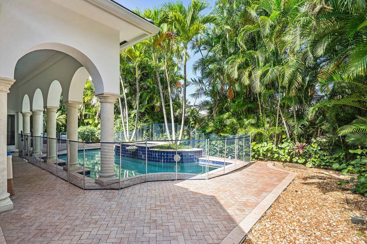 2166_West_Silver_Palm_Road_05
