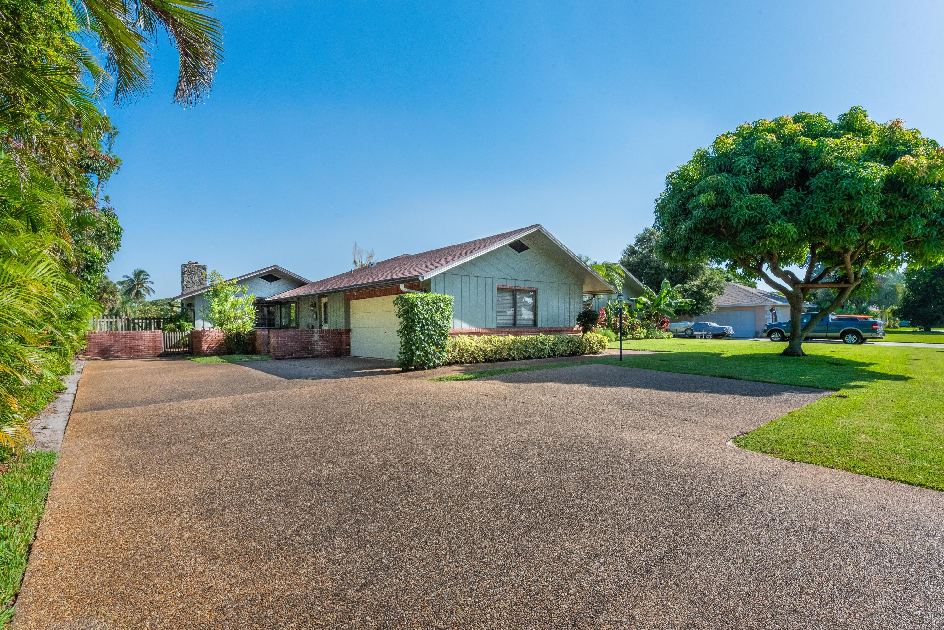 3519 Lakeview Dr (1 of 49)