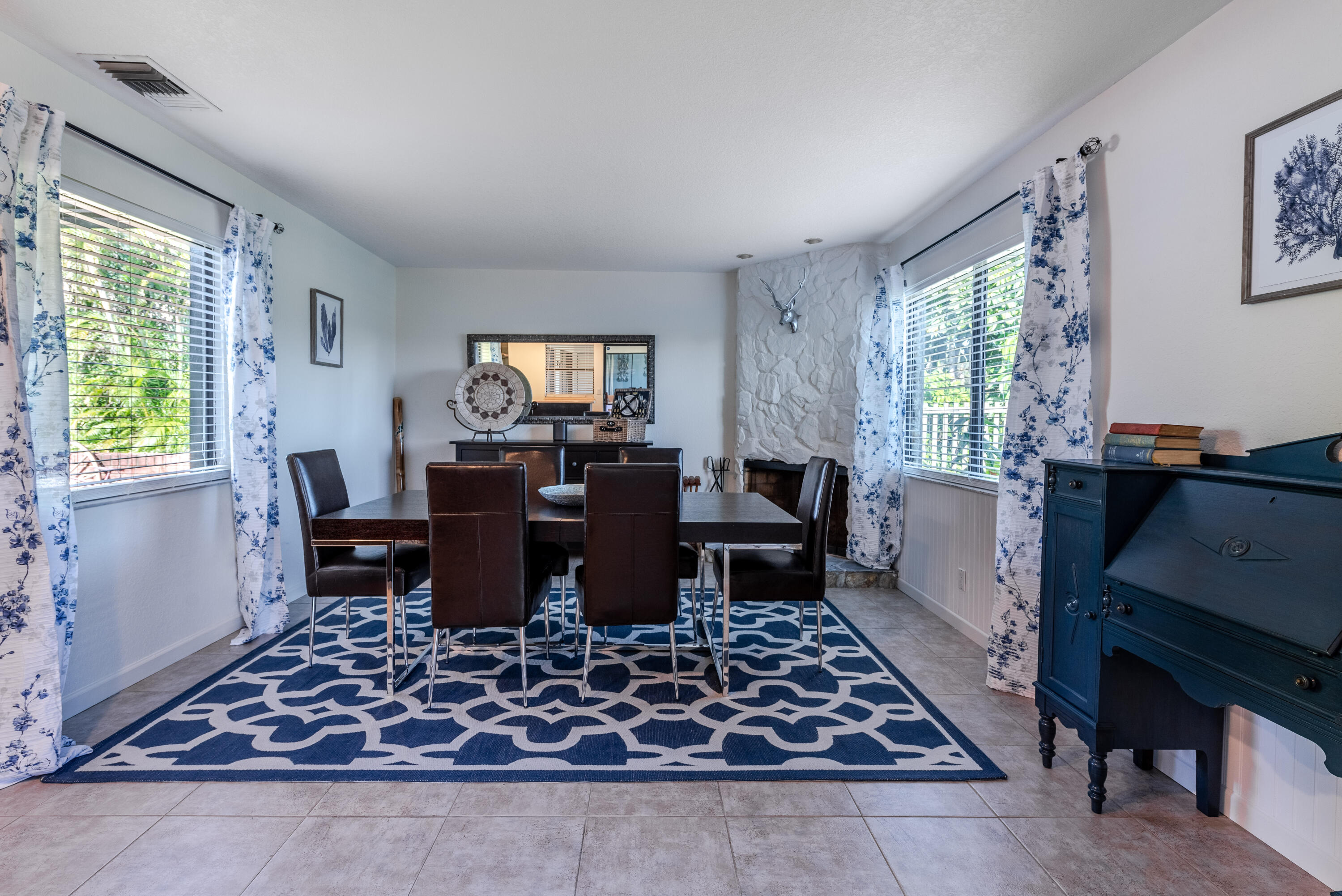 3519 Lakeview Dr (29 of 49)