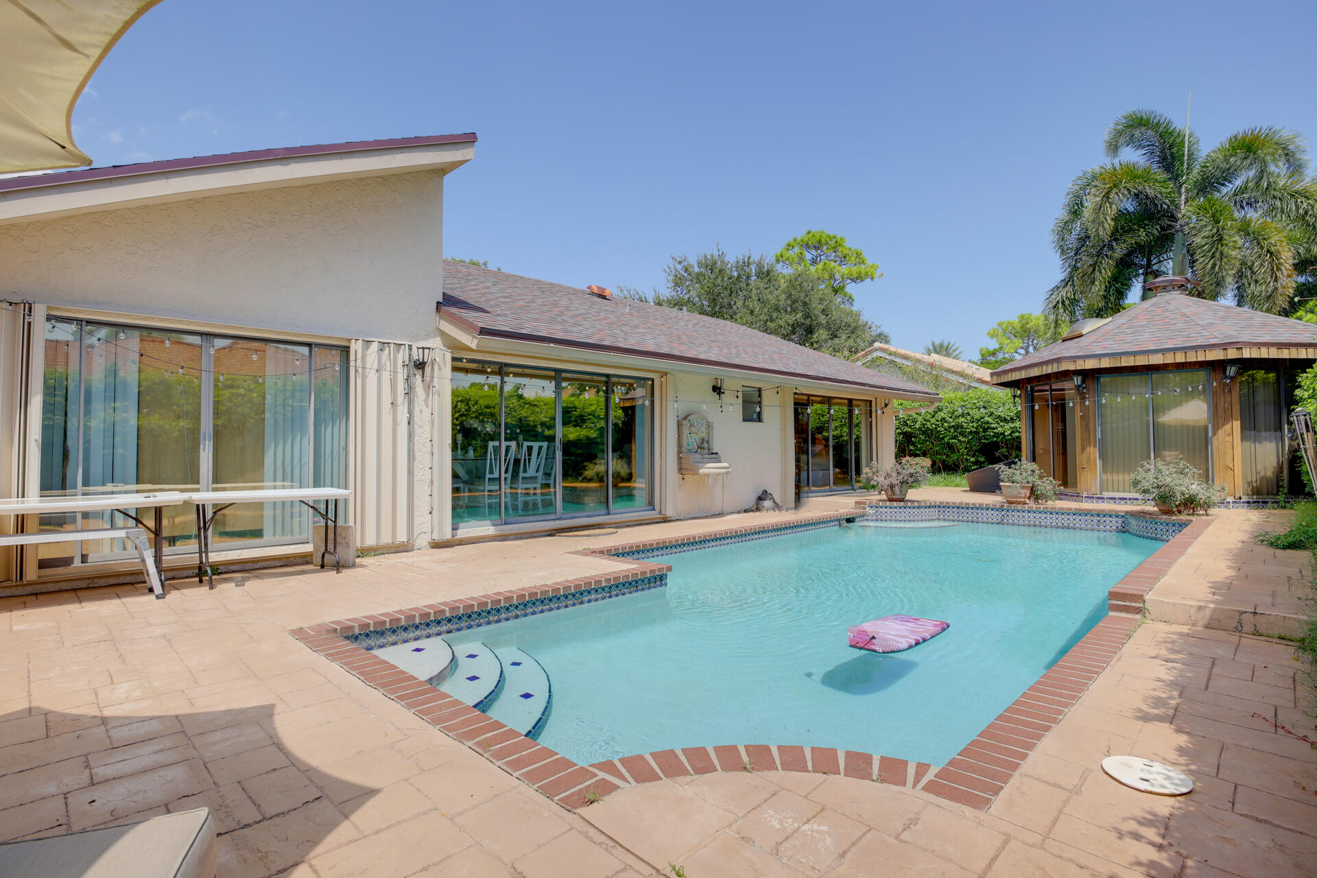 2414 NW 30th Rd (32)
