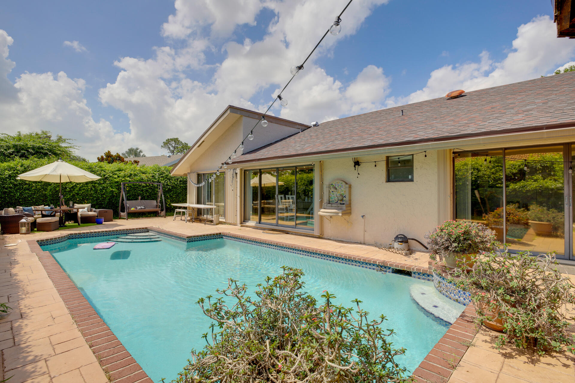 2414 NW 30th Rd (33)