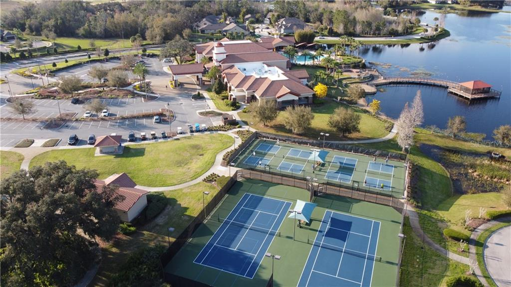 Del Webb Pickleball and Tennis Courts