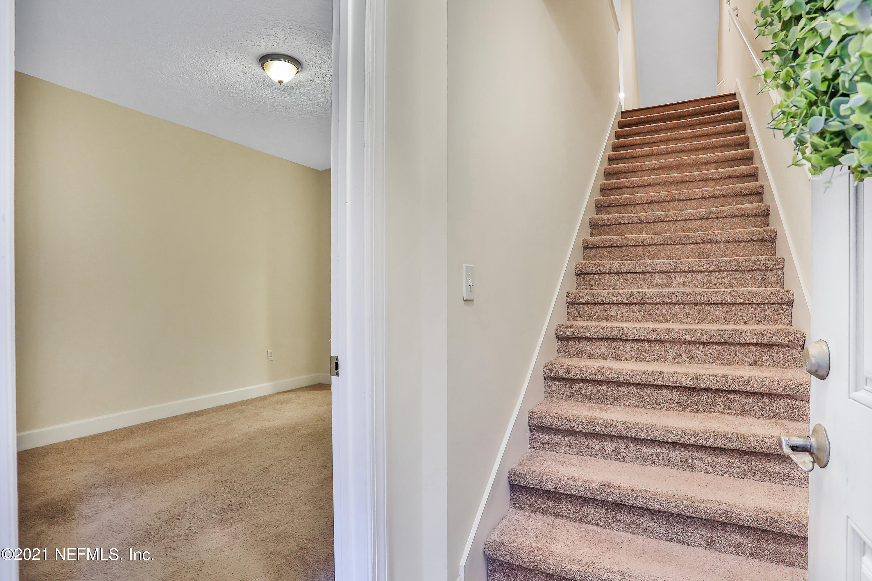 Stairs Entrance & Bedroom Bottom Le