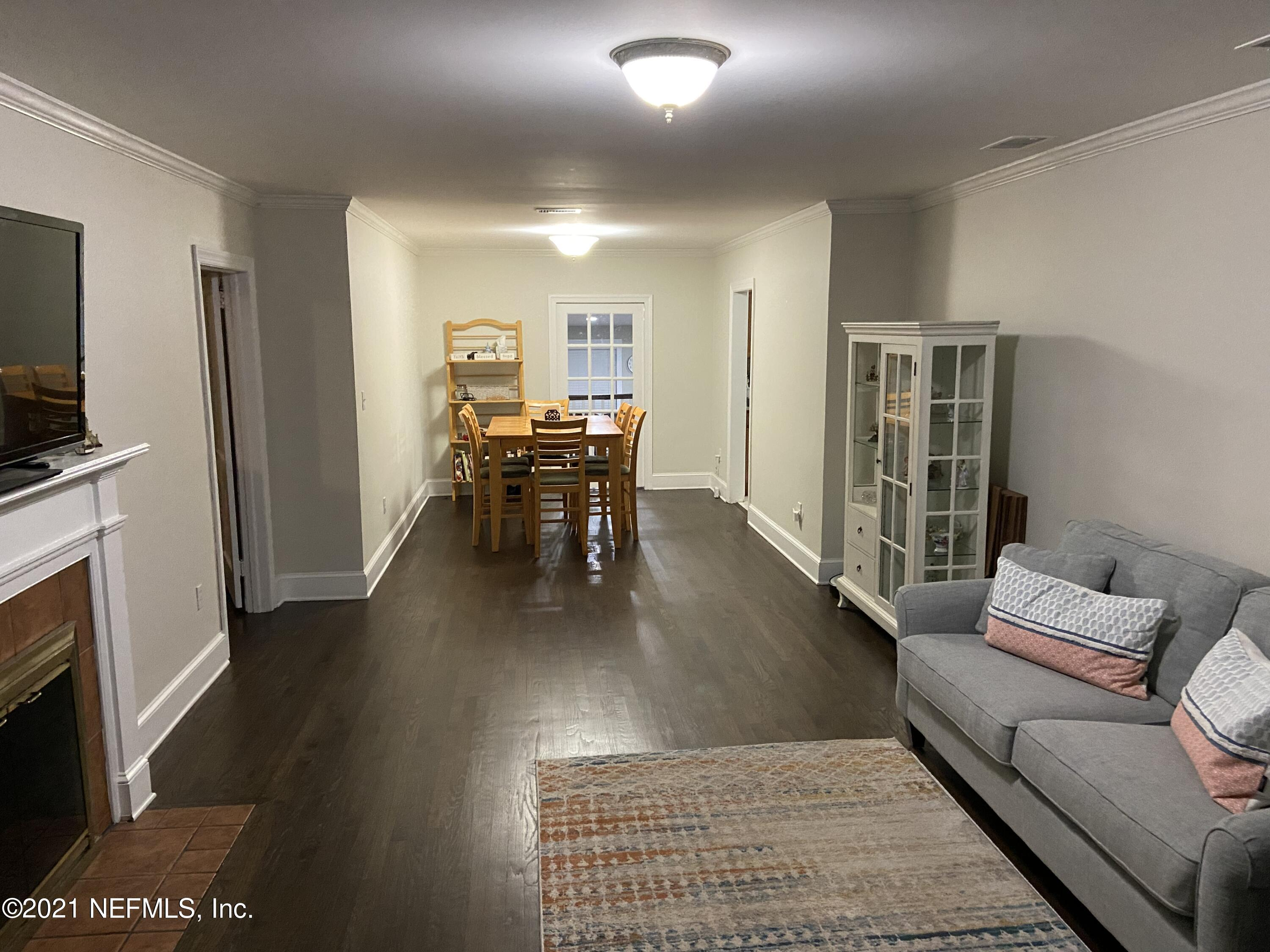 living room to dining rm