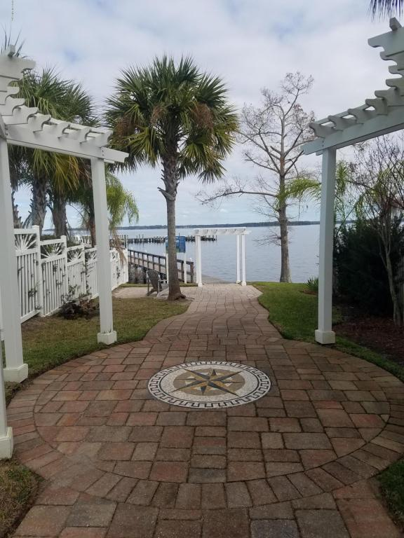 117 Yacht Club Point , GREEN COVE SPRINGS, Florida image 15