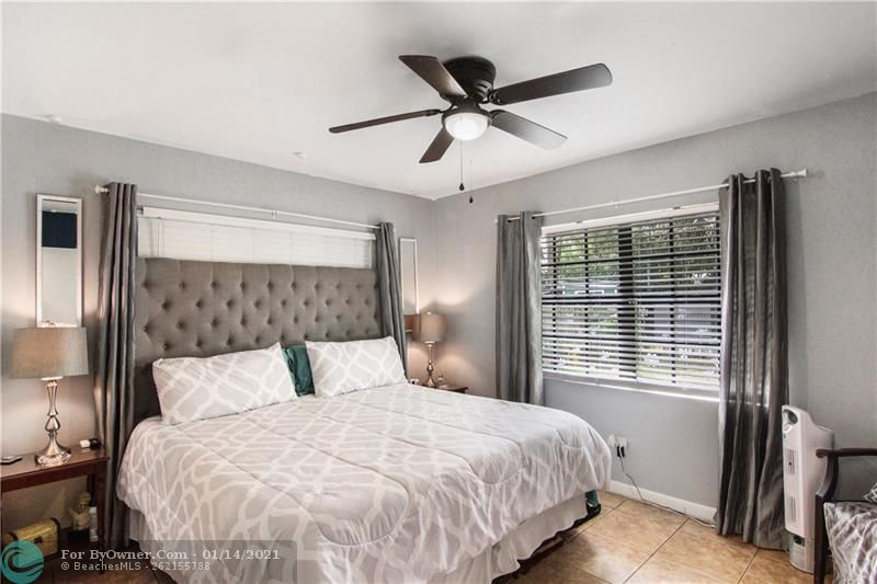 Master Bedroom with a lot of sunlight!