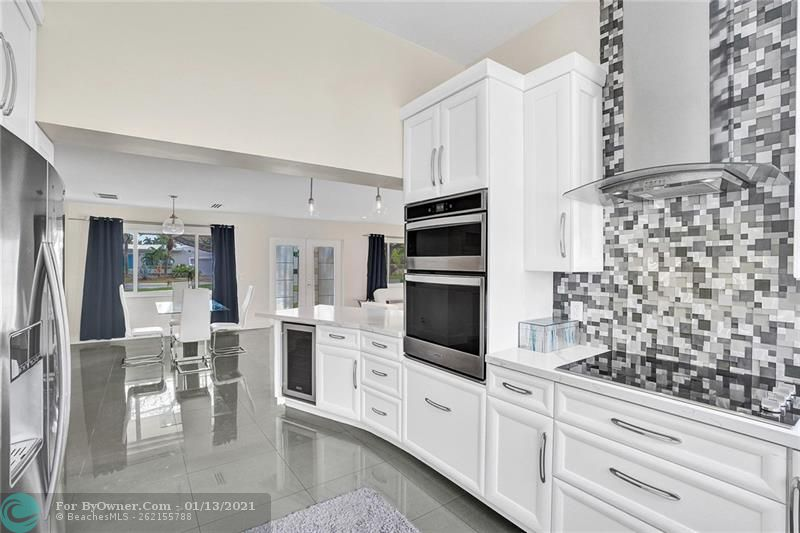 2457 Bayview Dr, Fort Lauderdale, Florida image 11