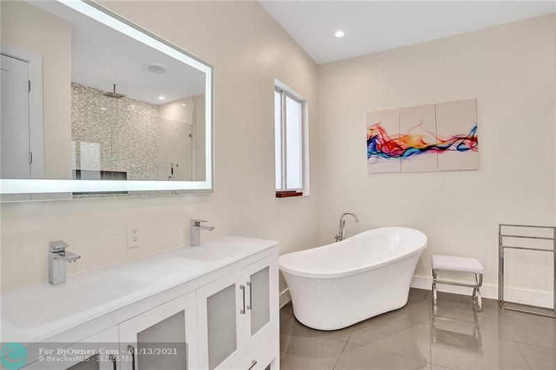 2457 Bayview Dr, Fort Lauderdale, Florida image 15