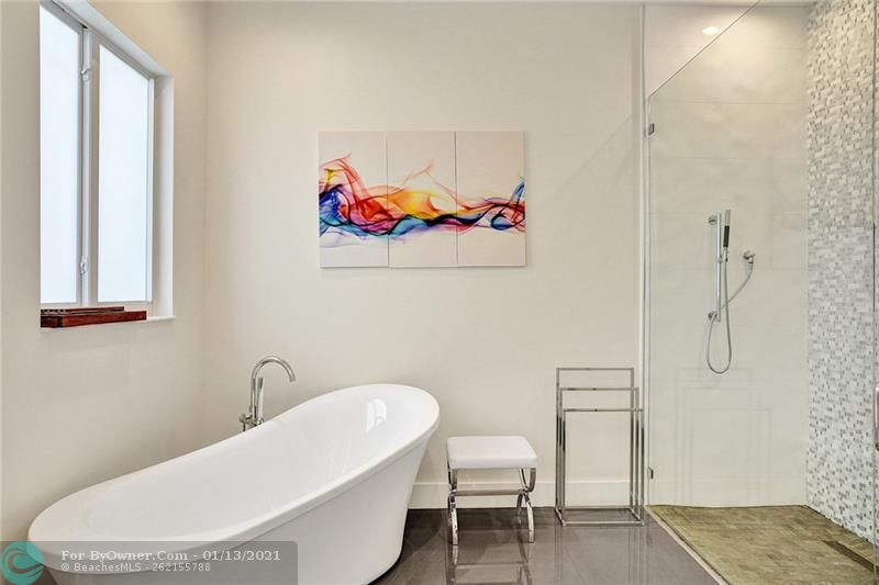2457 Bayview Dr, Fort Lauderdale, Florida image 16