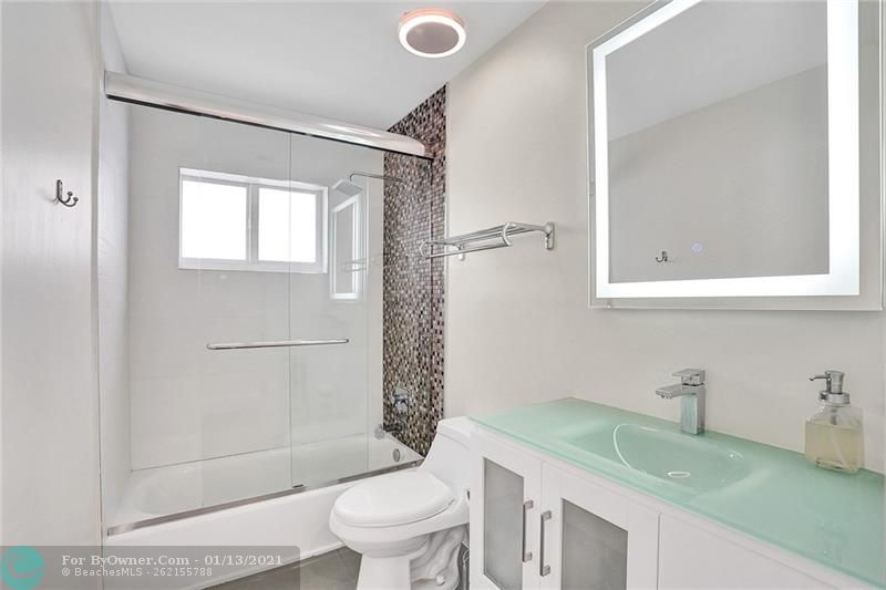 2457 Bayview Dr, Fort Lauderdale, Florida image 18