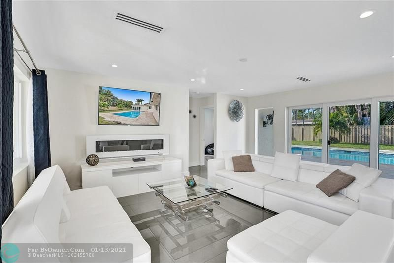 2457 Bayview Dr, Fort Lauderdale, Florida image 5