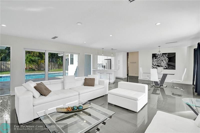 2457 Bayview Dr, Fort Lauderdale, Florida image 6