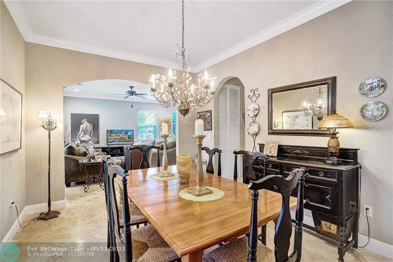 906 SW 8th St, Fort Lauderdale, Florida image 11