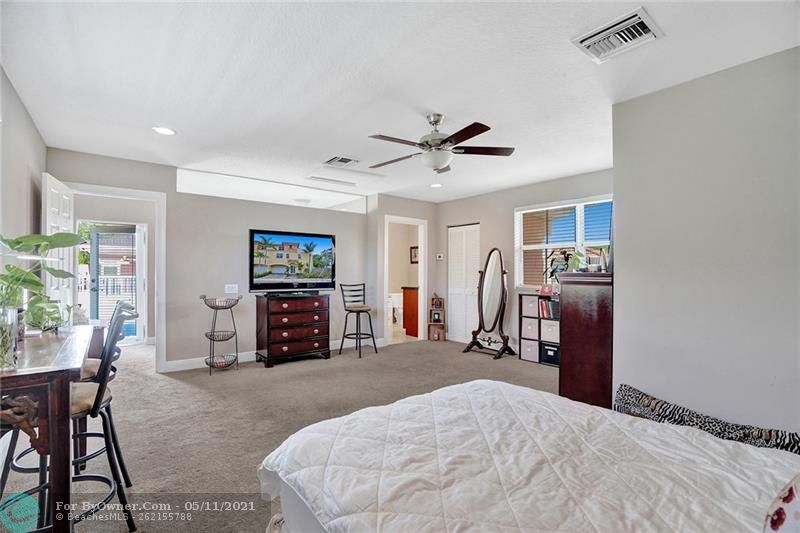 906 SW 8th St, Fort Lauderdale, Florida image 33