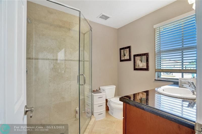 906 SW 8th St, Fort Lauderdale, Florida image 34