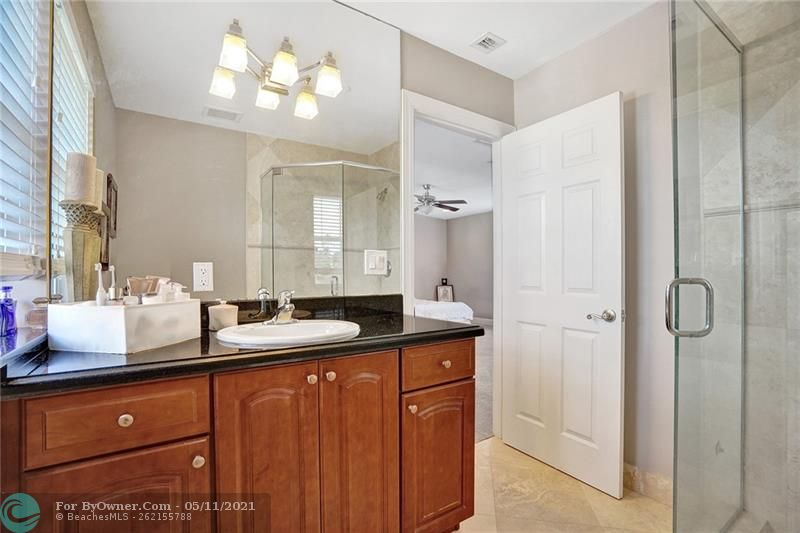 906 SW 8th St, Fort Lauderdale, Florida image 35