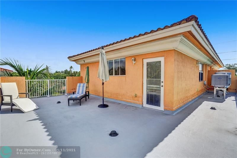 906 SW 8th St, Fort Lauderdale, Florida image 37