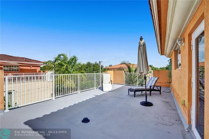 906 SW 8th St, Fort Lauderdale, Florida image 38
