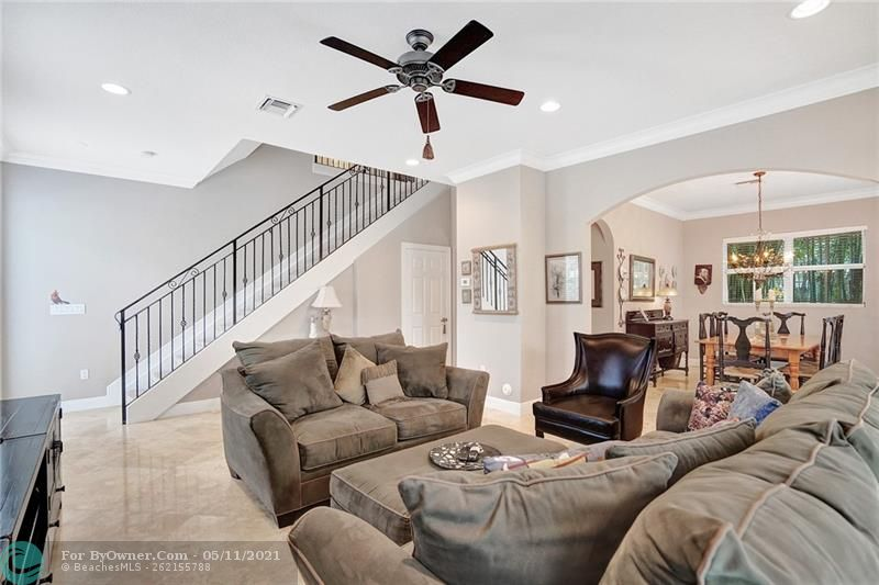 906 SW 8th St, Fort Lauderdale, Florida image 5