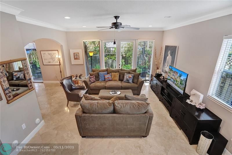 906 SW 8th St, Fort Lauderdale, Florida image 6