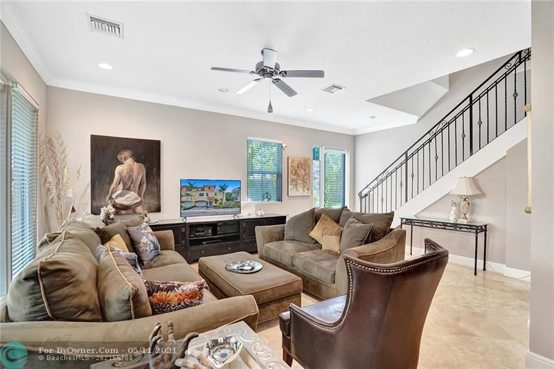 906 SW 8th St, Fort Lauderdale, Florida image 7