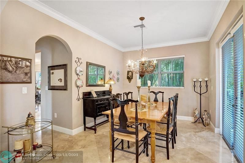 906 SW 8th St, Fort Lauderdale, Florida image 9