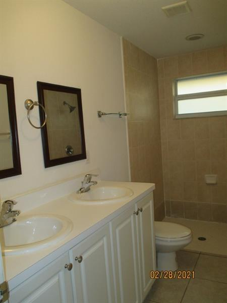 2242 Thomas St, Hollywood, Florida image 20