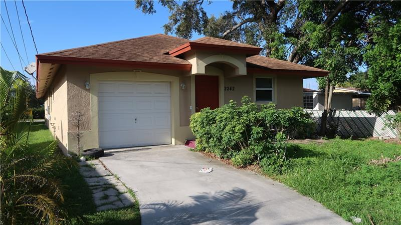 2242 Thomas St, Hollywood, Florida image 3