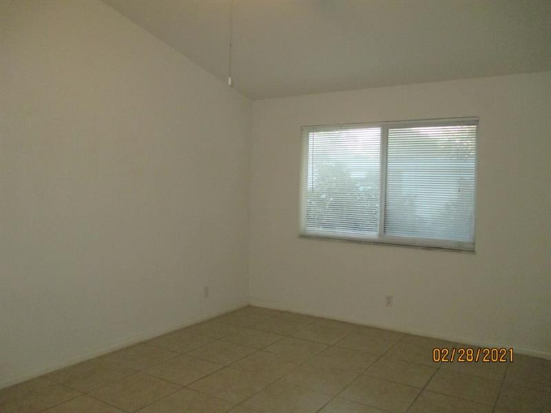 2242 Thomas St, Hollywood, Florida image 10