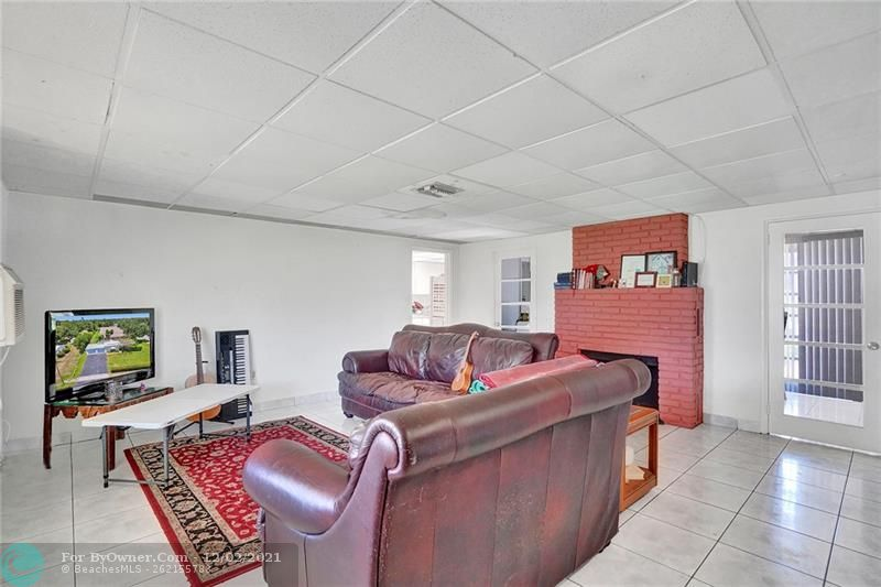 5619 Mckinley St, Hollywood, Florida image 6