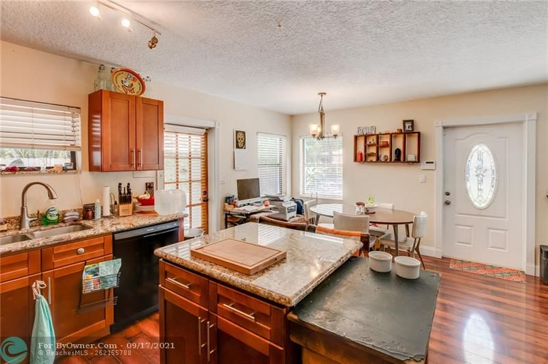 825 SW 16th Ct, Fort Lauderdale, Florida image 11