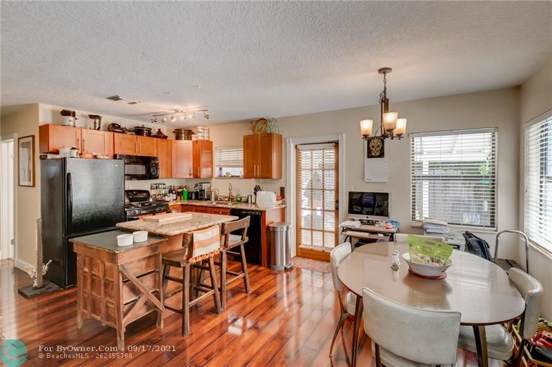 825 SW 16th Ct, Fort Lauderdale, Florida image 9