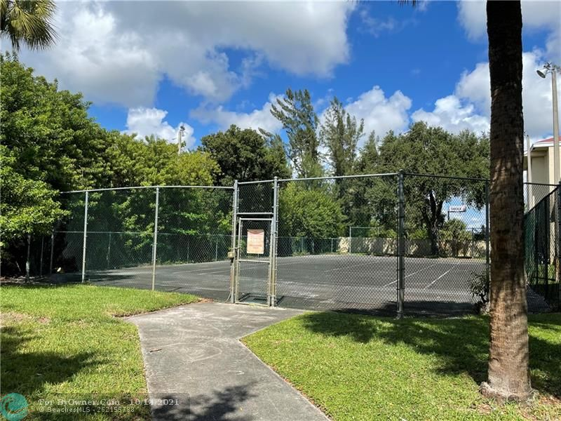 2445 SW 18th Ter #501, Fort Lauderdale, Florida image 13