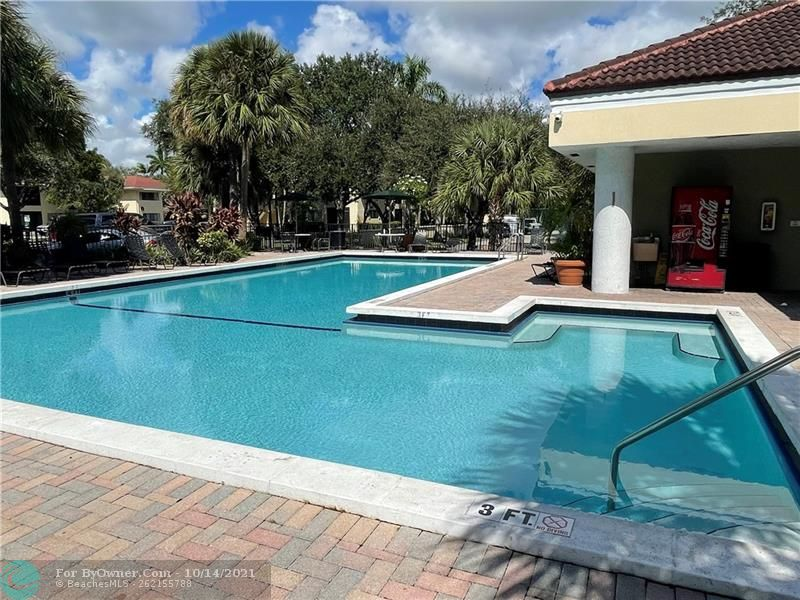 2445 SW 18th Ter #501, Fort Lauderdale, Florida image 15