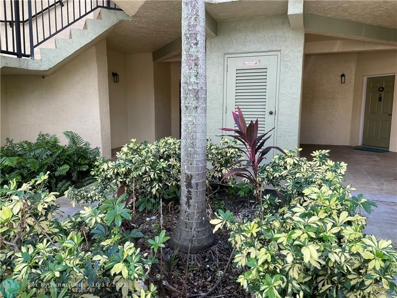 2445 SW 18th Ter #501, Fort Lauderdale, Florida image 5