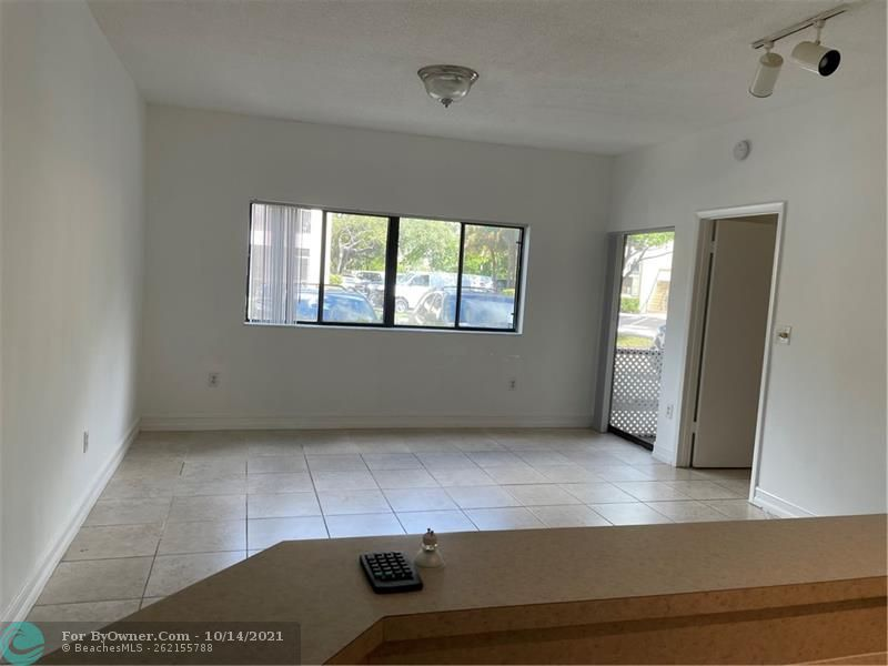 2445 SW 18th Ter #501, Fort Lauderdale, Florida image 6
