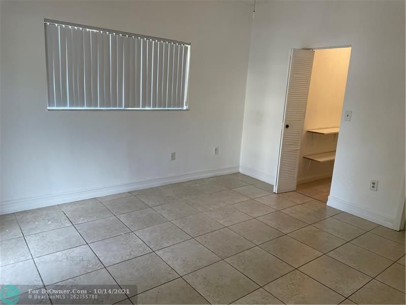 2445 SW 18th Ter #501, Fort Lauderdale, Florida image 10