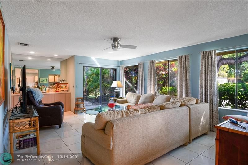 3115 NW 6th St, Delray Beach, Florida image 12